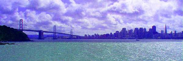 サンフランシスコの街並みとゴールデンゲートブリッジ
